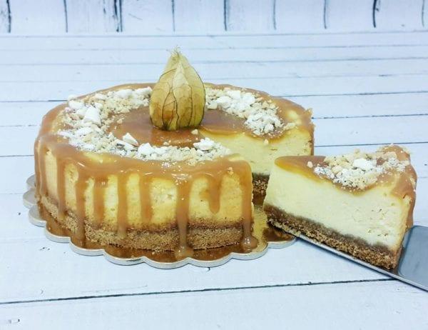 MajCake - sernik z białą czekoladą i solonym karmelem